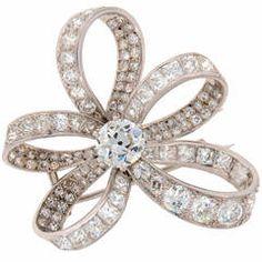 Chaumet 1940s Diamond Platinum Brooch Pin
