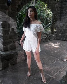 Is Sinag wondering if she's lucky in love and life? Maine Mendoza Outfit, Gma Network, Alden Richards, Fc B, Lucky In Love, Celebs, Celebrities, Film Festival, Dress Outfits