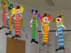Новости Basteln mit Kids Sie sind an der richtigen Stelle für Bastel Kunstunterricht kunstunterricht fensterdeko Kids Crafts, Clown Crafts, Circus Crafts, Preschool Crafts, Diy And Crafts, Arts And Crafts, Paper Crafts, Carnival Crafts Kids, Preschool Circus