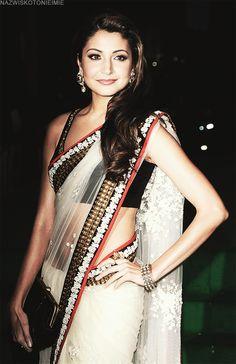 White, black and red. Couldn't possibly go wrong. ;) --- Anuska Sharma ---- #indian #wedding #saree