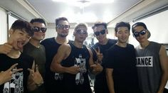 Original JYP artists g.o.d, Rain, and J.Y. Park gather for a picture | http://www.allkpop.com/article/2014/07/original-jyp-artists-god-rain-and-jy-park-gather-for-a-picture