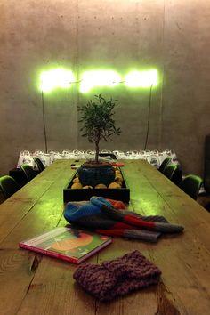 Präsentation zum Genialen Schnellstricker-Buch im Cafe Oliv