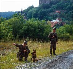 Soldaten der Grenztruppen der DDR im Einsatz zur Grenzsicherung | © Manfred Uhlenhut