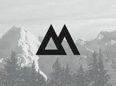 Asymétrie entre les deux côtés du logo.