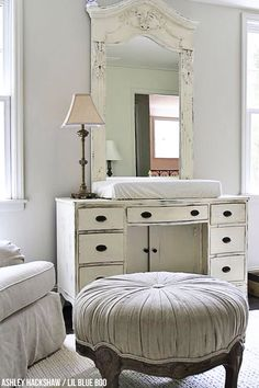 Wall color is Edgecomb Gray by Benjamin Moore