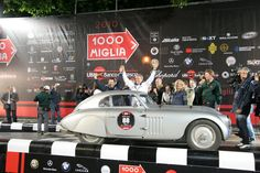 Mille Miglia 2010: vince Giuliano Canè con la BMW 328 Mille Miglia Coupé del 1939   Mille Miglia 2010 Bmw 328, Car Makes, Le Mans, World War Ii, Racing, World War Two, Running, Auto Racing, Wwii