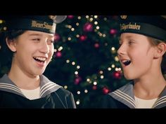 Vienna Boys Choir - Stille Nacht (Silent Night) - YouTube