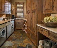 35 Best Modern Farmhouse Laundry Room Design Ideas Reveal Efficiency Space - Home Decor Ideas Rustic Laundry Rooms, Farmhouse Laundry Room, Laundry Room Design, Washroom Design, Built In Dog Bed, Slate Flooring, Flooring Ideas, Diy Holz, Interior Exterior