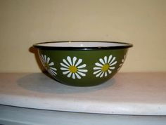 Hey, I found this really awesome Etsy listing at https://www.etsy.com/listing/259226005/bowl-enamelware-daisy-dasies-poland
