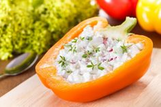 12 Postures sur les photos qui te donneront l'air d'une star Radish Recipes, Salad Recipes, Healthy Recipes, Creamed Cucumbers, Cold Dishes, Le Diner, Stuffed Sweet Peppers, Vegetable Dishes, My Favorite Food