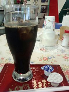 食後はアイスコーヒー飲んでいますなう。