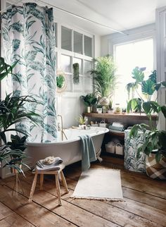 Bathroom need a quick update? Primark Home has you covered! Grey Hand Towels, Blue Towels, Pink Cushions, Velvet Cushions, Feng Shui, Primark Home, Primark Uk, Spa Like Bathroom, Modern