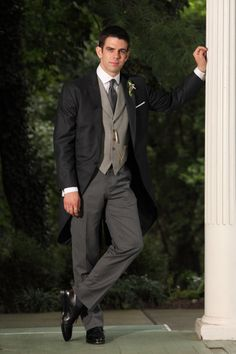 Wilhelm Dark Grey Melange Suitopia morning suit on one of our fab American customers at his wedding.