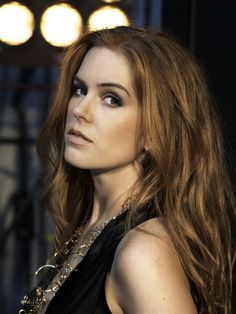 Isla Fisher - 1976 - Scottish parents in the Middle Eastern country of Oman