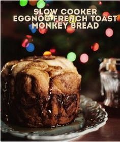 Slow Cooker Eggnog French Toast Monkey Bread - This slow cooker monkey bread recipe is an awesome and creative slow cooker breakfast casserole recipe. It's perfect for Christmas morning, but you can enjoy it any time.