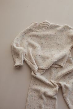 Our favorite brand from Australia has launched some new lovely knitted pieces, enjoy! knitted cotton sprinkle high ribbed neckline size up for a more relaxed fit unisex Design: Millk Grunge Look, Style Grunge, 90s Grunge, Soft Grunge, Grunge Outfits, Style Aria Montgomery, Toddler Fashion, Kids Fashion, Cute Babies