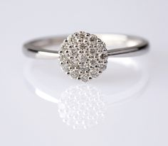 20 Delicate Wedding Ring Designs