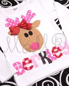 Reindeer appliqué. I see me making a dress for pookie :)