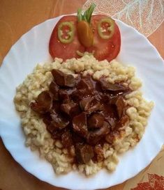 Zúzapörkölt nokedlival Grains, Rice, Dishes, Food, Red Peppers, Tablewares, Essen, Meals, Seeds