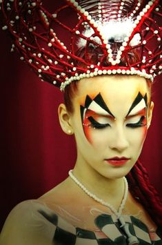 Queen of the Heart| Be inspirational ❥|Mz. Manerz: Being well dressed is a beautiful form of confidence, happiness & politeness | Want more Halloween makeup ideas? Follow http://www.pinterest.com/thevioletvixen/halloween-makeup-insanity/