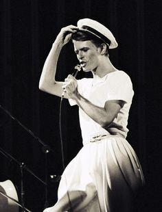 Between 1977 and 1979, Bowie sported classic combinations of loose tees and high-waisted trousers — pairing the looks with the occasional sailor hat