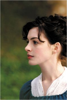 Anne Hathaway  (Becoming Jane)