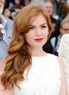 Isla Fisher Photos - Actress Isla Fisher attends 'The Great Gatsby' photocall during the Annual Cannes Film Festival at the Palais des Festivals on May 2013 in Cannes, France. - 'Gatsby' Stars Pose at the Cannes Film Festival — Part 8 Balayage Auburn, Balayage Hair, Isla Fisher, Hair Lights, Light Hair, Red Hair Celebrities, Hollywood Celebrities, Gatsby Hair, Natural Red Hair
