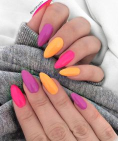 Acrylic Almond Nails can be seen everywhere in the street. They are one of the most popular nail shapes. This nail shape is called orange 60 Awesome Acrylic Almond Nails Designs to Inspire You Rainbow Nail Art, Cake Rainbow, Rainbow Crafts, Rainbow Birthday, Rainbow Baby, Nagellack Trends, Almond Acrylic Nails, Acrylic Nails For Summer Almond, Acrylic Nails For Fall