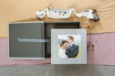 Hochzeitsalbum mit Acryl-Bildfenster - Erinnerungen fürs Herz Top Wedding Trends, Album Cover, Personalized Gifts, Colours, Pretty, Home Decor, Style, Wedding Vows, Getting Married