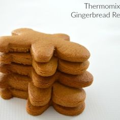 I've tried a few gingerbread recipes now and can safely say that this is the best Thermomix Gingerbread recipe that you will ever try. Easy Gingerbread Recipe, Gingerbread Dough, Christmas Gingerbread, Gingerbread Houses, Thermomix Pan, Thermomix Desserts, Bellini Recipe, Galletas Cookies, Christmas Cooking