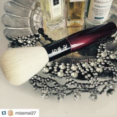 #Repost @missmai27 with @repostapp.  I had not loved a brush like this until now ... The Koyomo Tsuki Series Face brush. No words to describe just pure  The softness is out of this world! #koyomo