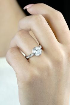 Want the best engagement ring for your special occasion? Noam Carver engagement rings are just as unique, as the ladies who wear them. Round Diamond Engagement Rings, Engagement Ring Cuts, Vintage Engagement Rings, Diamond Wedding Bands, Vintage Rings, Unique Vintage, Wedding Rings, Or Rose, Highlight