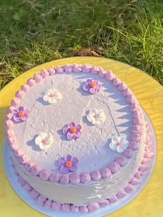 Pretty Birthday Cakes, Pretty Cakes, Beautiful Cakes, Simple Cake Designs, Simple Cakes, Korean Cake, Pastel Cakes, Frog Cakes, Pinterest Cake