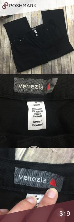 🦋🎈 Venezia Black Stretch Boot Cut Jeans Black boot cut stretch jeans. In excellent condition. Size 6 (24 lane Bryant). 42-43 inch waist. 13 inch inseam. 27 inch inseam. Venezia Jeans Boot Cut