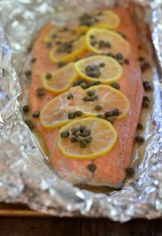 Grilled Foil Salmon with Lemon, Capers and White Wine | mountainmamacooks.com