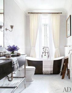 Celebrity Bathrooms: Brooke Shields