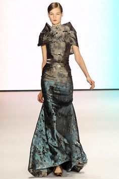 Carolina Herrera Fall 2011 RTW. The jacquard fabric is what stands out in this dress . . .
