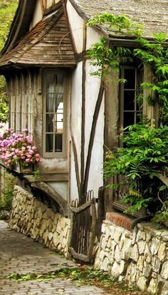 There are lots of picturesque houses in Carmel-by-Sea