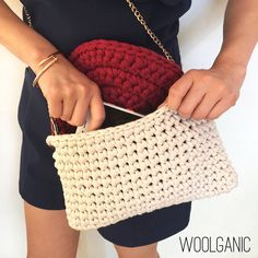 #코바늘가방 #원데이클래스 #여름가방 #crochetbag #instacrochet #티셔츠얀 #trapillo #crochet #bag #summerbag #model #woolganic #woolandthegang #handmadebag #winecolor #beige #베이지색 #와인색 #가방 #세련된가방 #뜨개가방 #knitbag