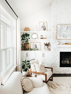 Inspirational ideas about Interior Interior Design and Home Decorating Style for Living Room Bedroom Kitchen and the entire home. Curated selection of home decor products. Living Room Decor, Bedroom Decor, Cozy Bedroom, Aesthetic Room Decor, My New Room, House Rooms, Home And Living, Modern Living, Tiny Living