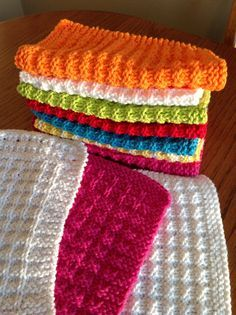Waffle Knit Dishcloth By Debbie Andriulli - Free Knitted Pattern - (ravelry)