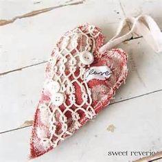 Red Heart Primitive Hanging Heart