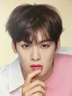 He's mine (cha eunwoo x Yn) Handsome Korean Actors, Handsome Boys, Korean Celebrities, Celebs, Kim Myungjun, Cha Eunwoo Astro, Kim Young, Park Bo Gum, Lee Dong Min