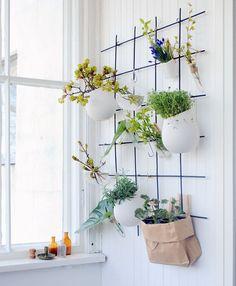 Kuvahaun tulos haulle ruukku seinälle Plant Aesthetic, Rooftop Garden, Apartment Living, My Dream Home, Interior Styling, Indoor Plants, Home Kitchens, Diy Furniture, Outdoor Living