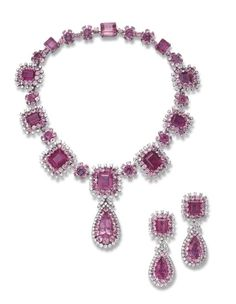 An important suite of rubellite tourmaline, kunzite & diamond jewelry. Luxury Jewelry, Modern Jewelry, Vintage Jewelry, Ruby And Diamond Necklace, Diamond Jewelry, Bling Bling, Jewelry Sets, Fine Jewelry, Jewellery