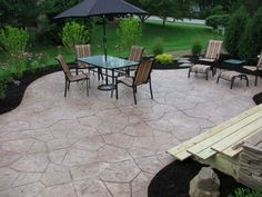 Nice stamped concrete flagstone design/size & color.