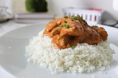 This is such a simple and easy butter chicken recipe that is low carb! You  can use either coconut cream or greek yoghurt to make this!