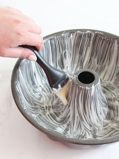 Never worry about broken cakes again. This magic cake pan release leaves no crumb behind and you can store it at room temperature for up to three months.