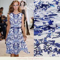 Tissu Chiffon en 100% Soie Blanc motifs fleuris bleu, Tissu dété, Tissu à la mode, Tissu pour Foulards, Tissu pour châles, 1m