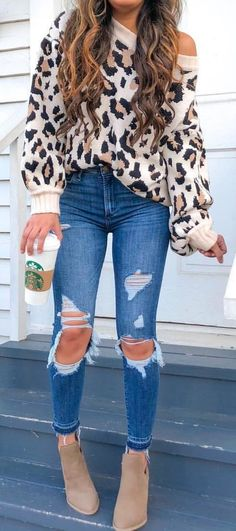 45 Popular Fall Outfits Ideal For You Denim Outfit, Sweater Outfits, Casual Outfits, Cute Outfits, Floral Cardigan Outfit, Distressed Jeans Outfit, Fashion Mode, Fashion Night, Fashion Outfits
